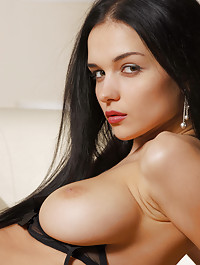 Ultra popular model show why she is on top in this ultra sexy session.