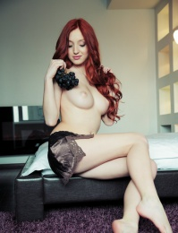 Michelle H BY Arkisi cute red head