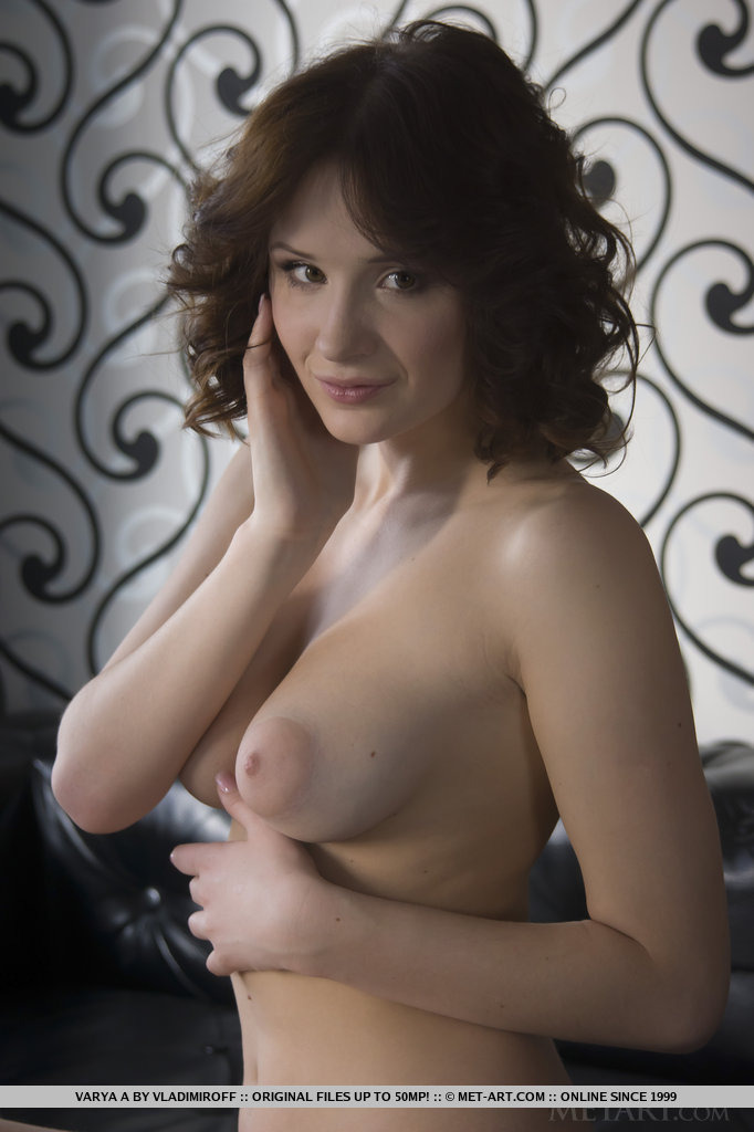 Imgchili chelda model nude