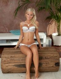 blond tits with sexy bra