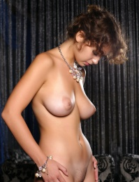 brown hair nice puffy tits busty porn pics