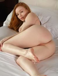 Corset naked redhead porn pictures