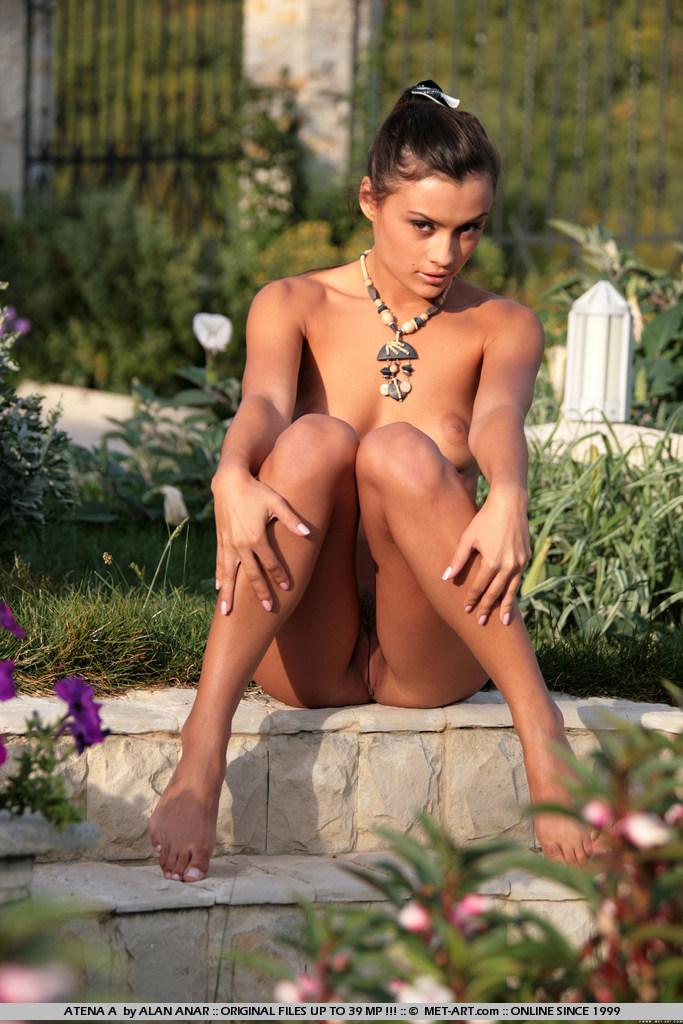 girl naked hills