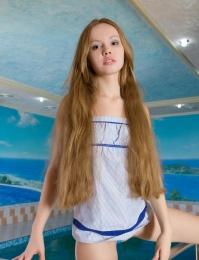Porn model Virginia Sun nude pics
