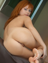 Red hair and a shaved clean pussy with make you cum
