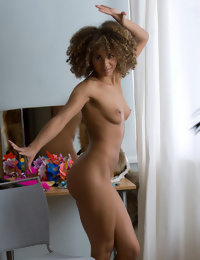 Rumble in the jungle babe showing off her naked photos