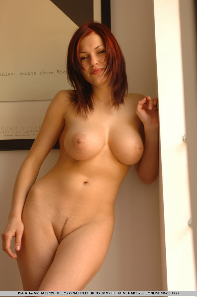 big tit nude Beautiful mom