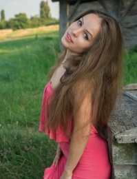 Teen brown hair beauty girl thumbnail gallery
