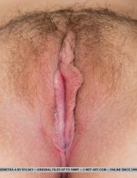 Very cute girl in xxx naked photos