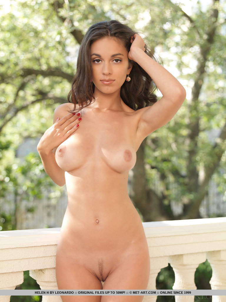 Real girl nikki naked