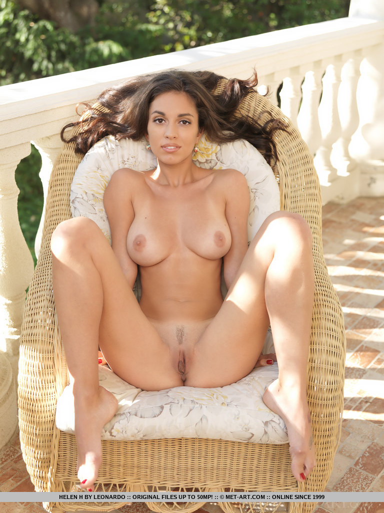 Pretty little women all naked